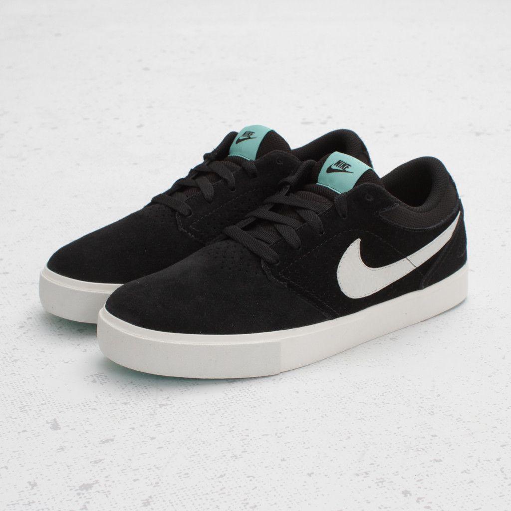 Nike SB Paul Rodriguez 5 LR (Black/Swan-Mint) It's cool to look at.