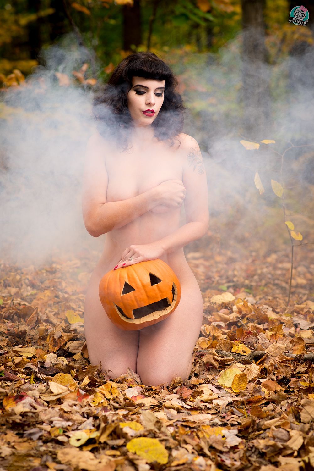 nude-halloween-woman