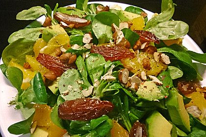 http://www.chefkoch.de/rezepte/242061097741244/Wintersalat-mit-Orangen-und-Datteln.html