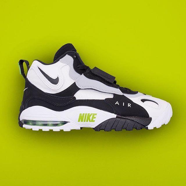 watch b3d68 b84c3 Nike Air Max Speed Turf - 525225-101 •• Modellen som är gjord för  amerikansk fotboll blev populär av att Miami Dolphins quaterback Dan Marino  bar dem, ...