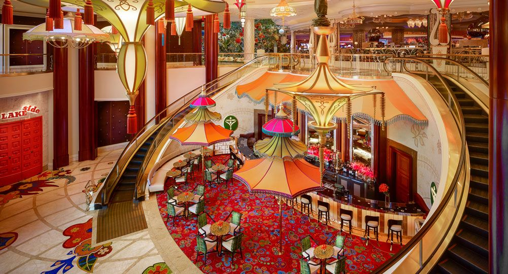 Parasol Down Exterior Wynn Hotel In 2019 Las Vegas Bars Vegas