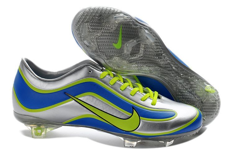 buy nike soccer shoes