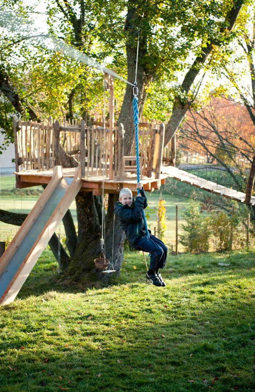 La cabane d 39 enfant du saule cabane dans les arbres cabanes et jeux pinterest les cabanes - Cabane enfant toboggan ...