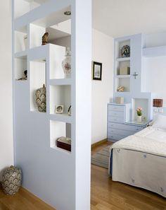 Dise o con muebles de obra separaci n dormitorio y for Cielos falsos para dormitorios