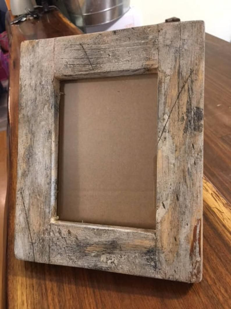 Rustic Frame In 2020 Rustic Frames Barn Wood Frames Old Wood Projects