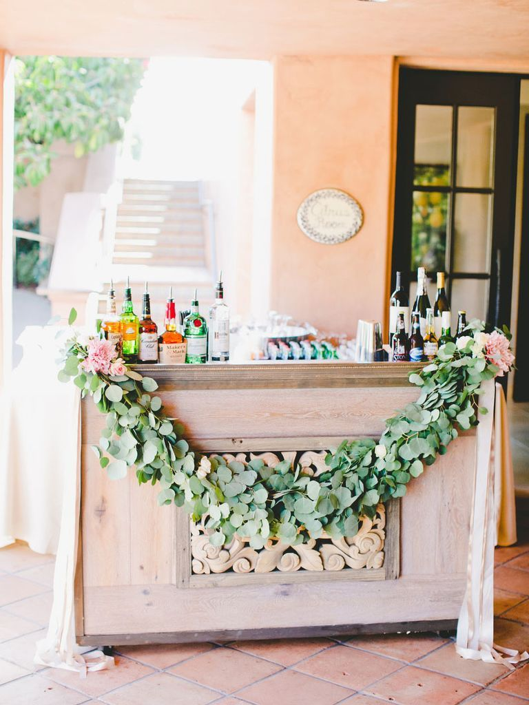 The Ultimate Wedding Cocktail Hour Guide Cocktail hour