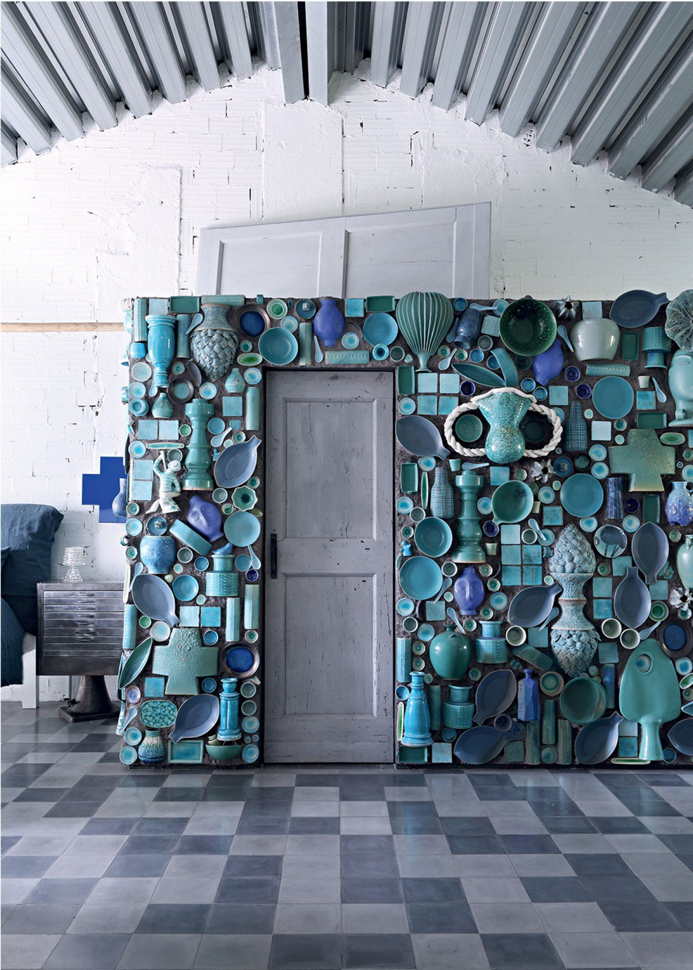 Une Usine Rehabilitee Au Style Eclectique Tiles Paola Navone Wall Tiles