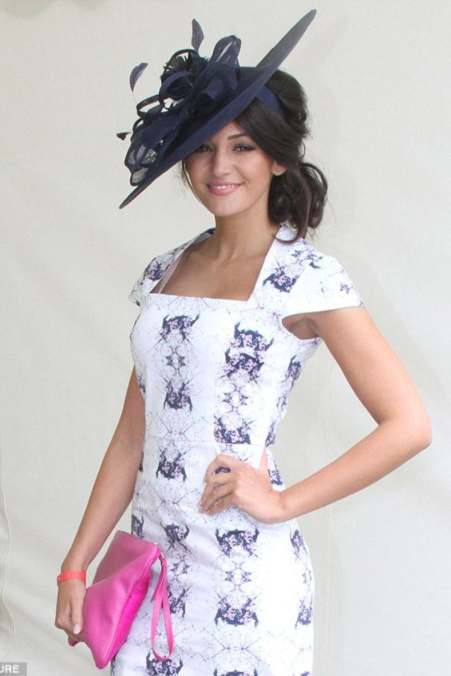Michelle Keegan Derby Outfits Fascinator Hairstyles Hat Hairstyles