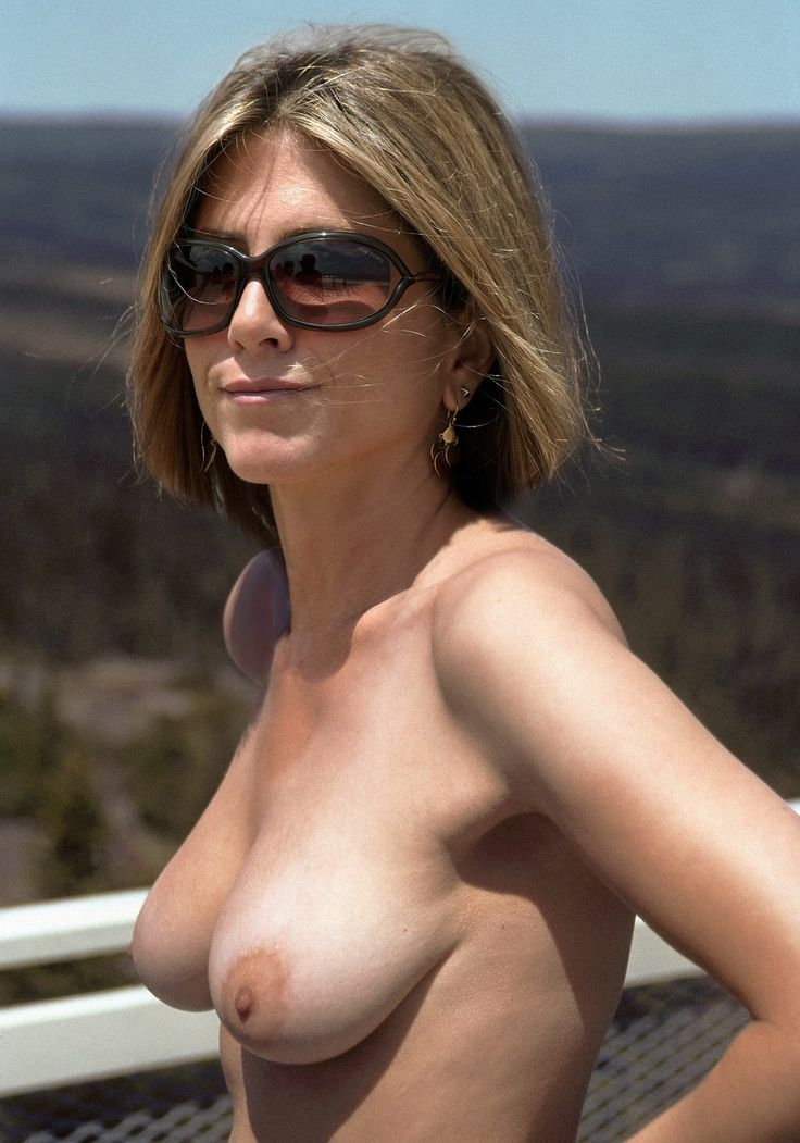 nude free aniston