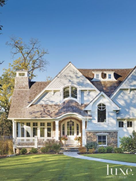 Images Of East Coast Nantucket Shingle Style Homes Were The Inspiration For This Grand Glencoe House House Exterior House Styles Shingle Style Homes