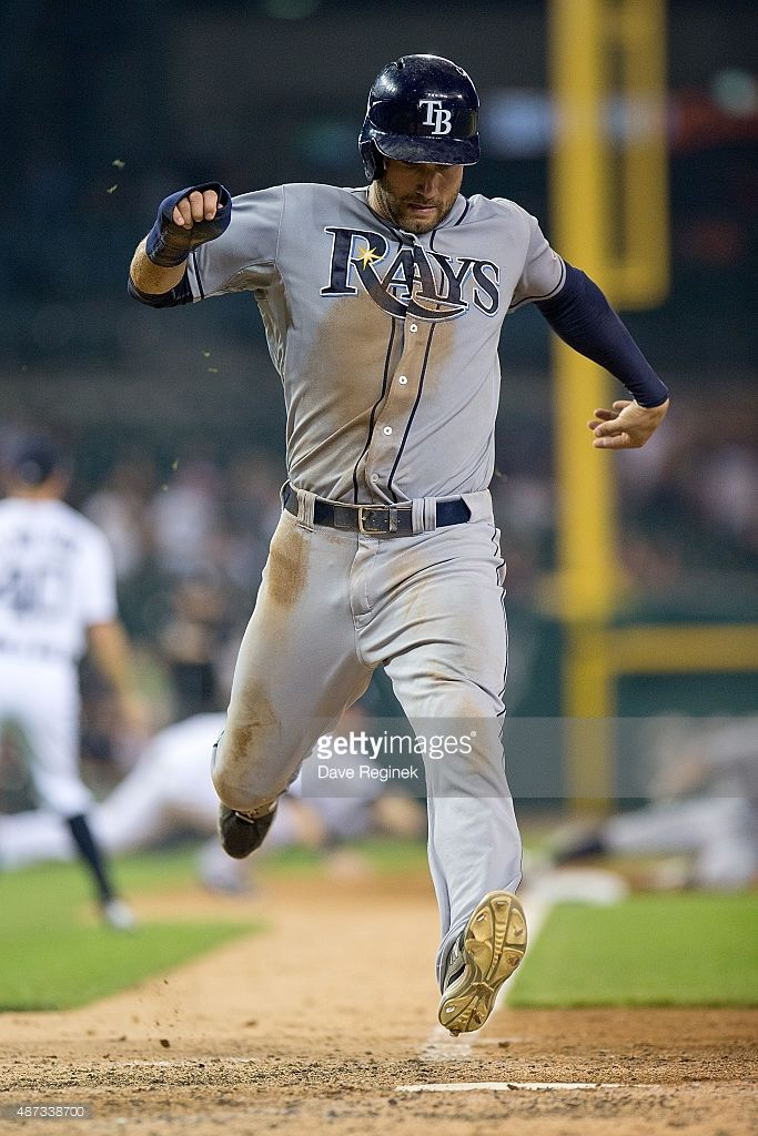 kevin kiermaier 39 of the tampa bay rays scores in the top of the