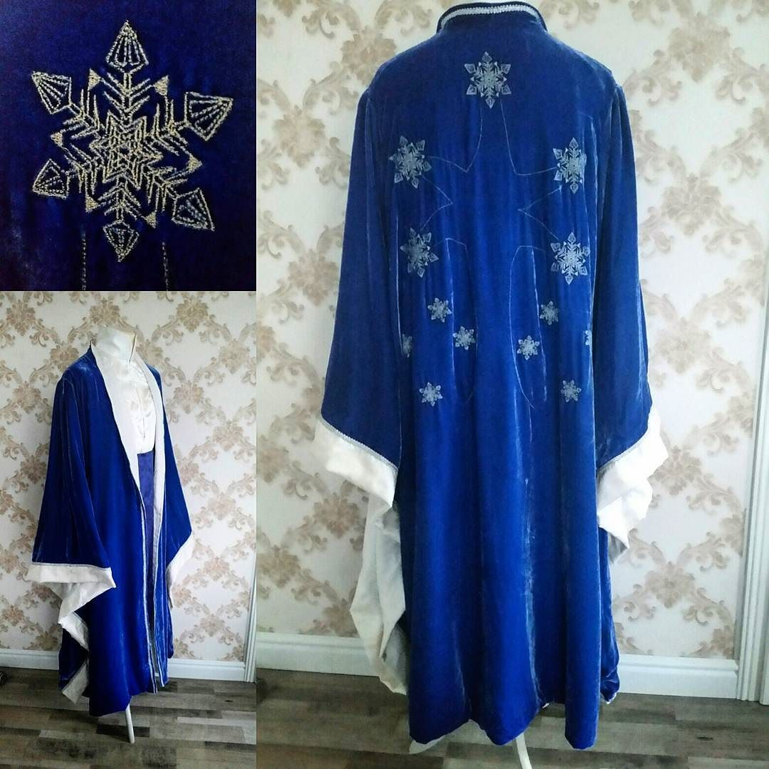 Really proud of this one. It was a commission and the design in back is the house sigil of this elven house. Tunic in white silk satin with fine silver embroidery. Belt is royal blue silk tafetta. Robe is silk velvet I died myself in royal blue with a lining of cream silk brocade. Embroidery done in silver. #fantasyclothing #fantasy #elvish #elves #highelves #ice #snowflake #royalblue #sewing #cosplay #embroidery #lotr #elvishbeauty #elfcosplay #silk #elvenlord #larp #roleplay #tolkien…