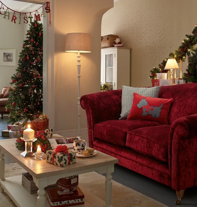 38 Small Yet Super Cozy Living Room Designs: Christmas Living Rooms, Classic