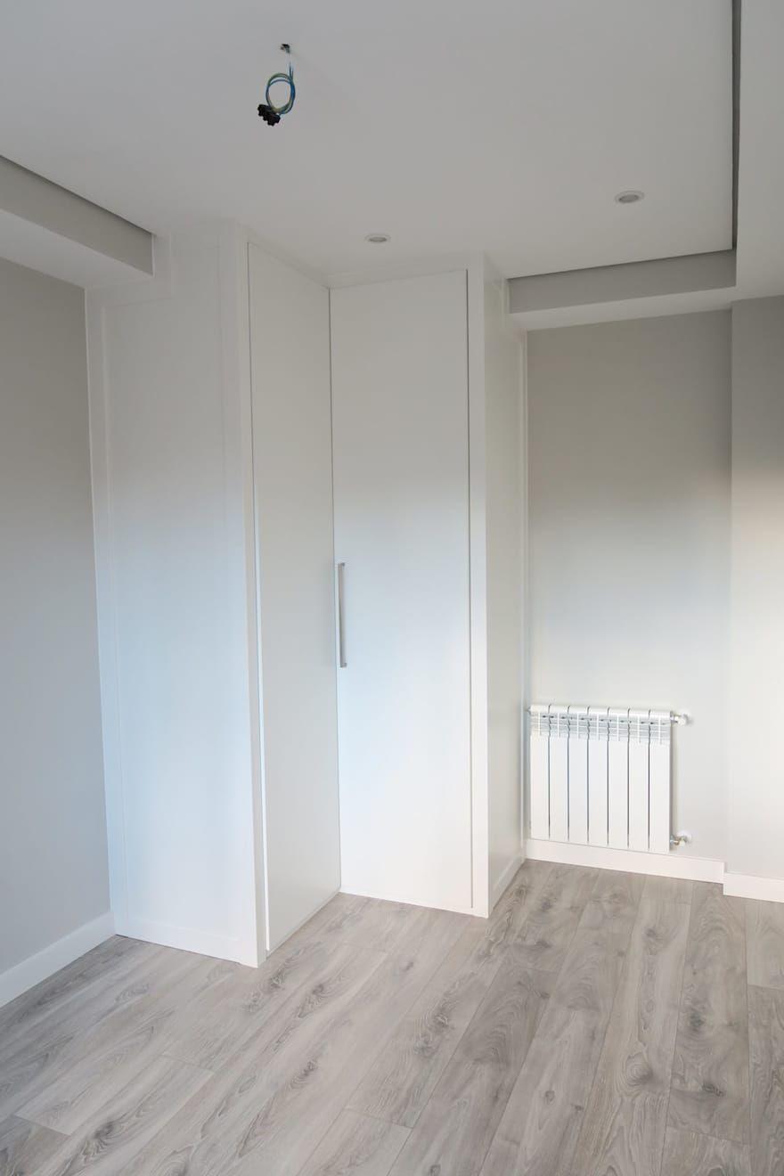 Dormitorios Infantiles Ideas Disenos E Imagenes Homify Pisos Para Habitaciones Diseno De Armario Para Dormitorio Decoracion De Habitacion Gris