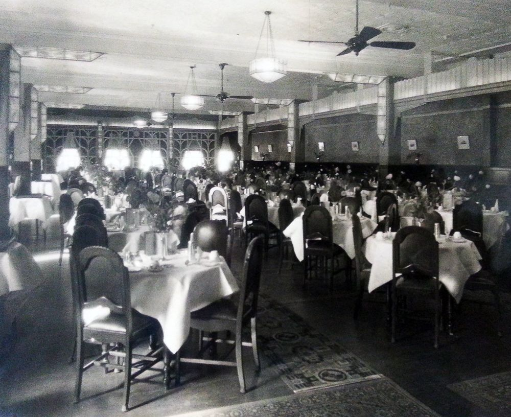 Finney Isles & Co. department store dining room // Image by H.B. Green & Co., courtesy of David Phillips (ca. 1930s)