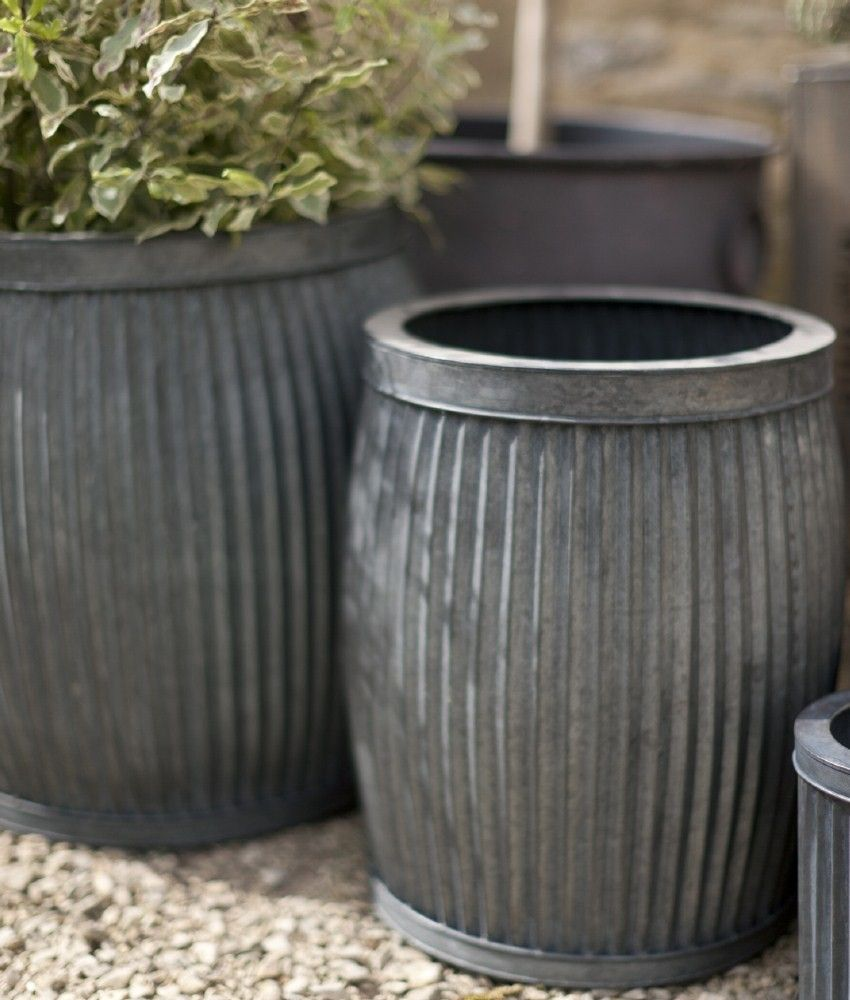 metal planters with vintage feel. set of 2 garden planters in
