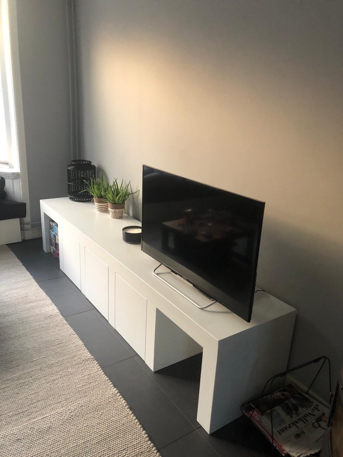 Praktisch Tv Meubel.Strak En Praktisch Tv Meubel Met Open Delen En Deuren Voor