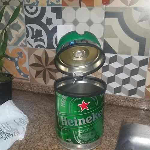 Lixeira Cesto De Pia Feita Com O Barril Da Heineken Barril Da
