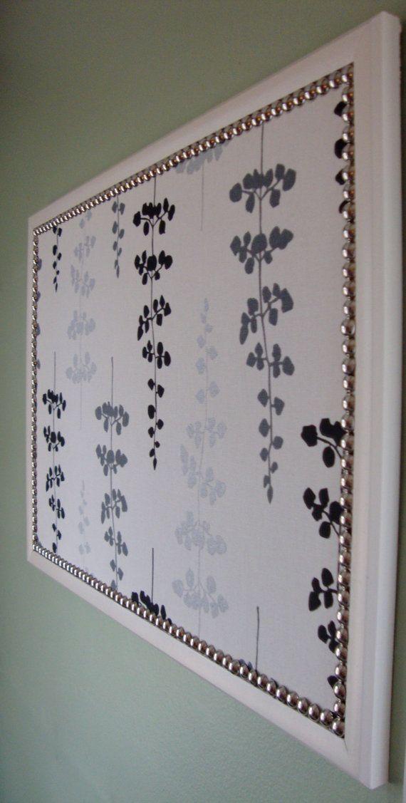 Use These So-Pretty Custom-Made Bulletin Boards For Your Weddingu0027s Escort Card Display & Use These So-Pretty Custom-Made Bulletin Boards For Your Weddingu0027s ...