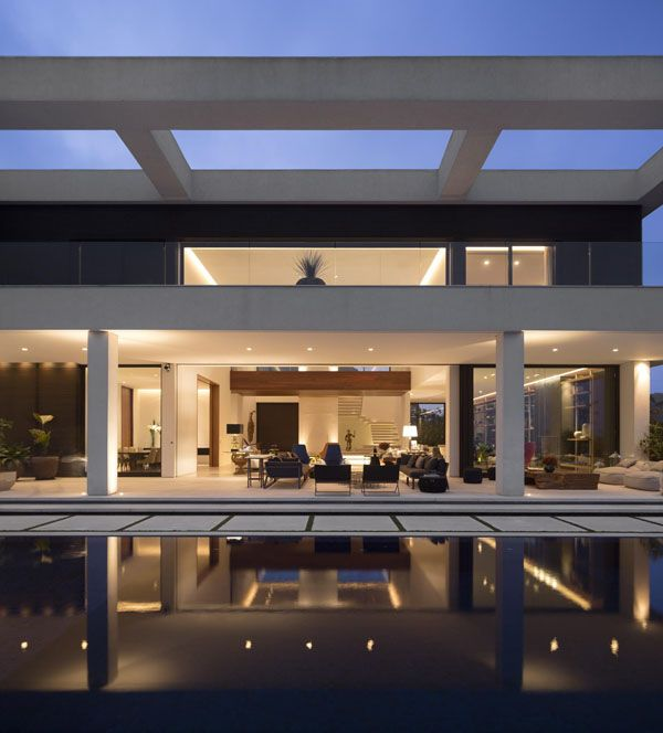 Breathtaking design featured in multi-level Jaragua Residence