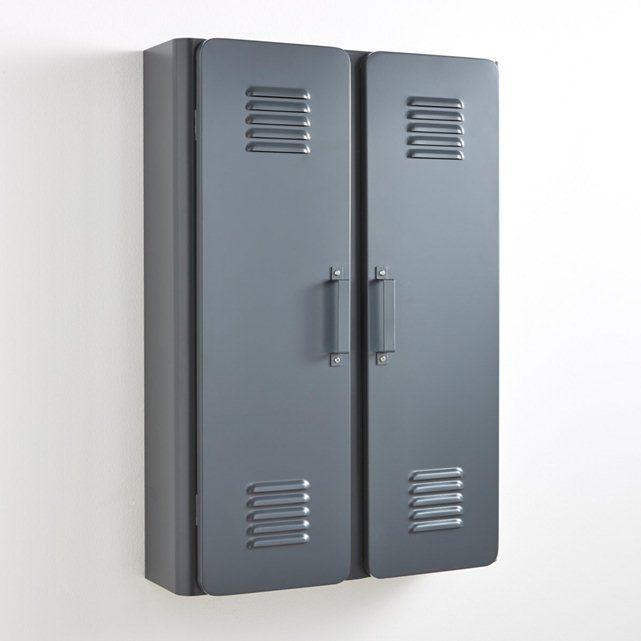 Cette petite armoire métallique Hiba, nous rappelle les vestiaires