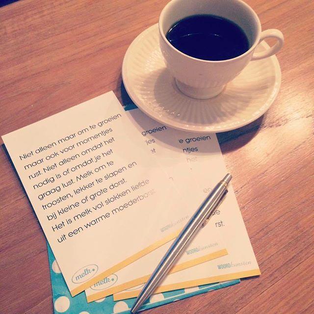 Manon: Blij! <3 Mijn bestelde kaartjes van Woordkunsten zijn binnen met dit prachtige gedichtje erop!  Eén om in te lijsten en de andere twee stuur ik naar twee lieve vriendinnetjes die ook met liefde hun kindjes al heel lang voeden. Fijne dag allemaal!  Kaart te bestellen op: http://woordkunsten.nl/winkel/kaart-melk/  #breastfeeding #normalizebreastfeeding #breastfeedingwithoutfear #bfing #brelfie  #breastfeedingmom  #breastfeedingisbeautiful #supportbreastfeedinginpublic #freethenipple…