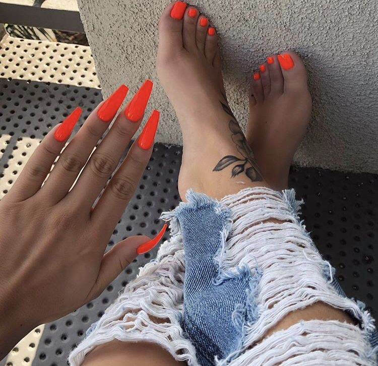 Neon Orange Acrylic Nails With Images Acrylic Nails Coffin
