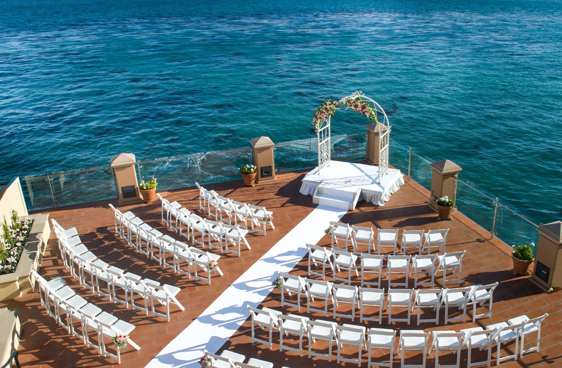 9 Wedding Venues On The Monterey Bay With Ocean Views See Prices In 2020 Ocean View Wedding Ocean Wedding Venue Monterey Wedding