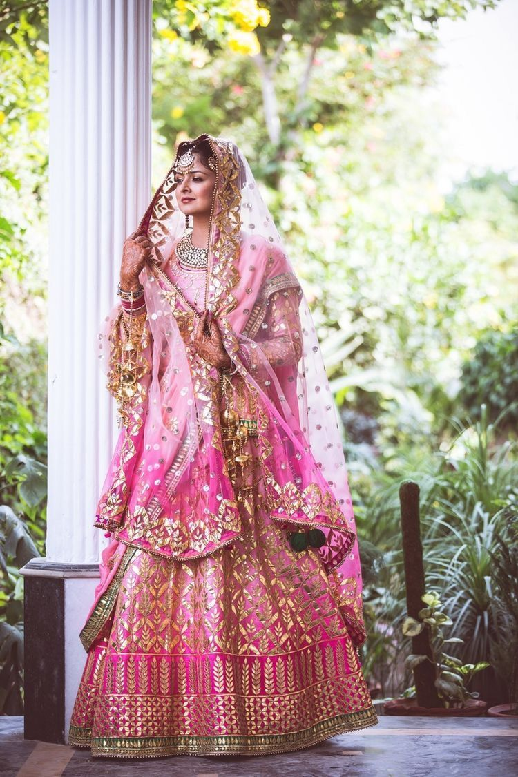 Pin de saloni taneja en Weddings and stuff | Pinterest | Traje de ...