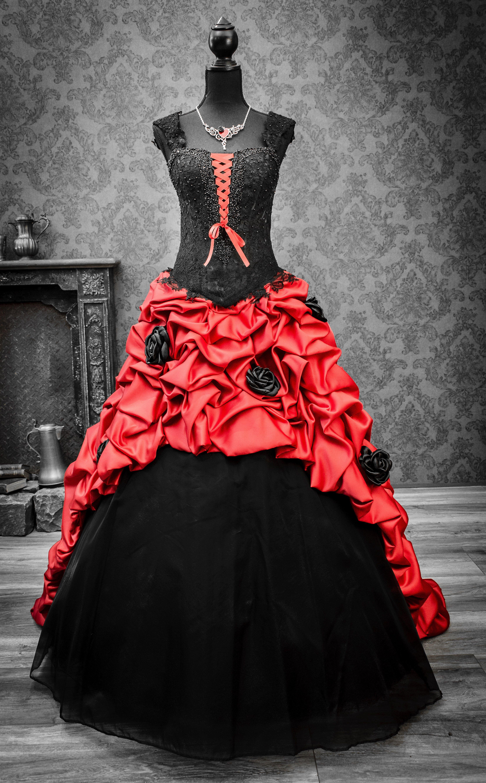 Rot-schwarzes Hochzeitskleid  Brautmode, Schwarzes brautkleid