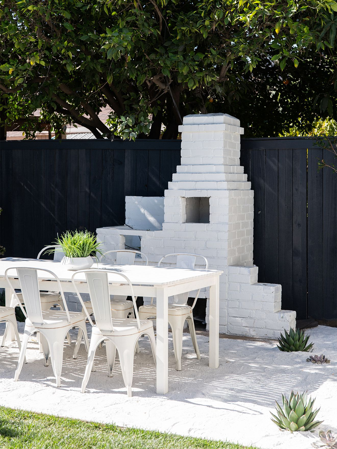 How A Pro House Flipper Tripled The Value Of Her Latest Home House Flippers Decor Buy Diy Outdoor Furniture
