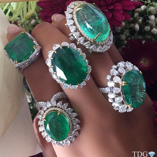 THE QUEEN OF GREEN, BEAUTIFUL POOJA FROM KAMYEN JEWELLERY