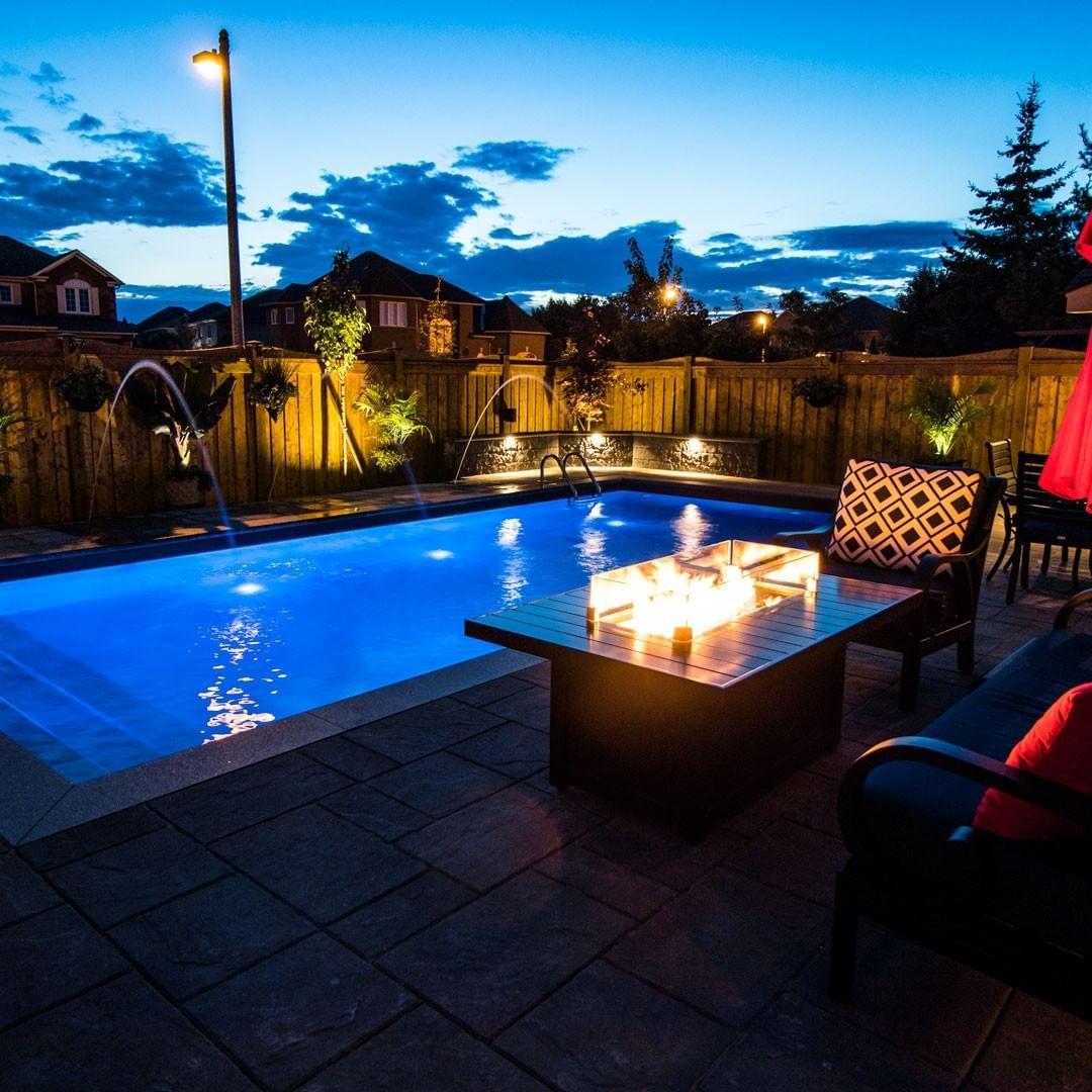 Night Vibes Vaughan Pools Luxury Spas Outdoorliving Luxurypools Swimmingpools Swimmingpool S In 2020 Luxury Pools Hot Pools Pool Designs