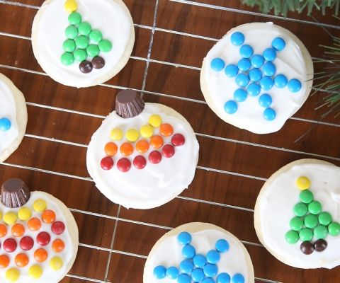 The very best soft sugar cookie + cream cheese frosting for sugar