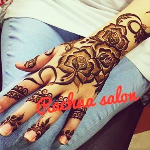 A Pioneer In Arabic Henna Design In The Uae Since 1980 Mehandi