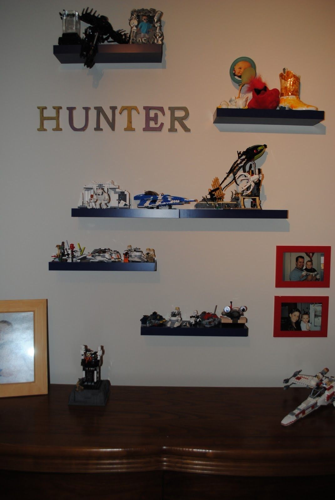Shelves to display legos boys room pinterest legos for Display bedroom ideas