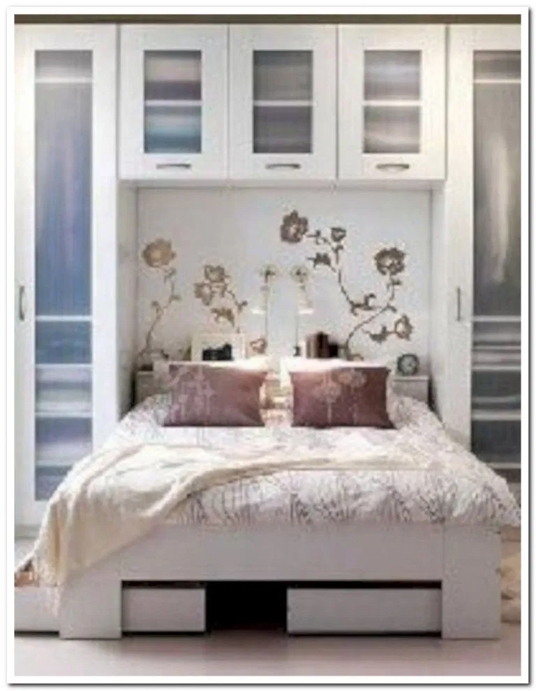 31 Small Space Ideas To Maximize Your Tiny Bedroom: 33+ Small Space Ideas To Maximize Your Tiny Bedroom 4 In 2020