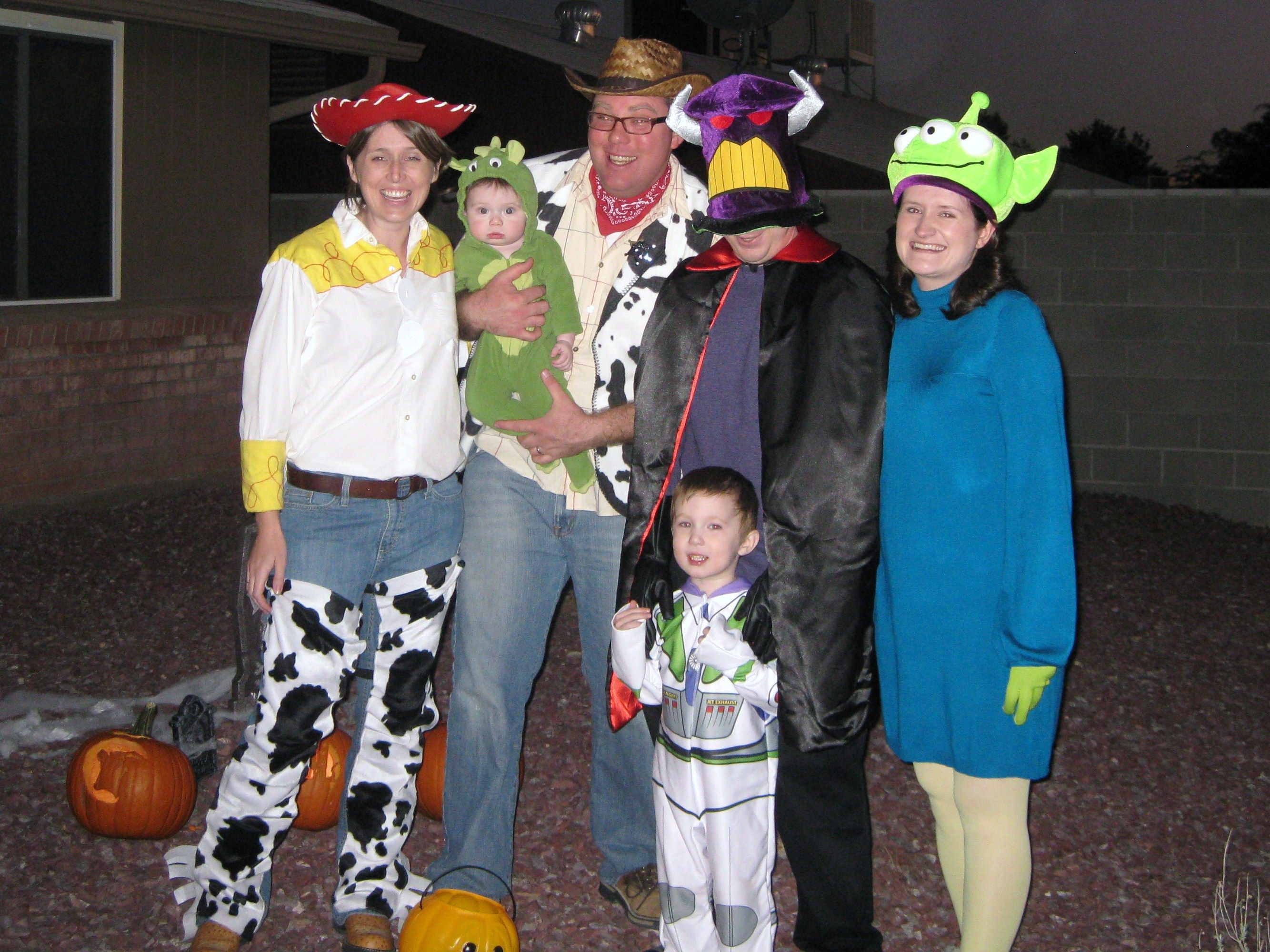 a toy story halloween family costume theme - Halloween Group Costume Themes