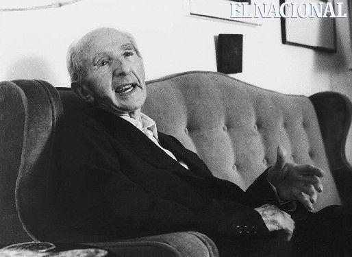 Angel Rosenblat, nació en Polonia en diciembre de 1902. Fundó los estudios lingüísticos universitarios en el país y formo a toda una generación de académicos e intelectuales, fue investigador del génesis de las palabras.