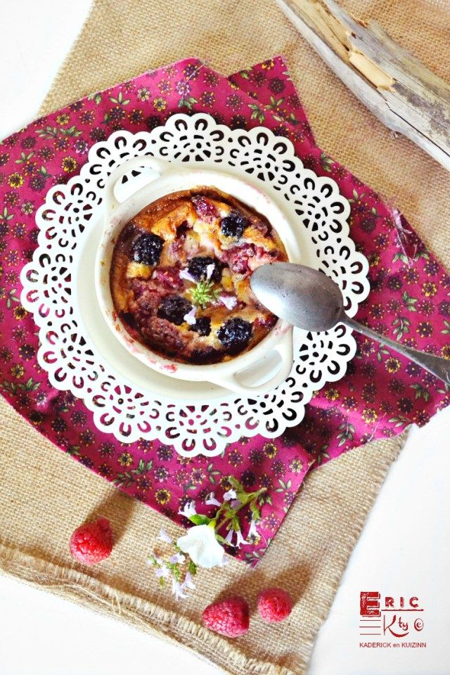 Clafoutis fruits rouges individuel mures framboises