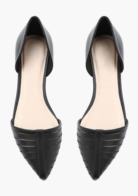 edd65da96 Kim Cut Out Flat   Necessary Clothing Modelos De Sapatilhas, Sapatos,  Sapatos Doidos,