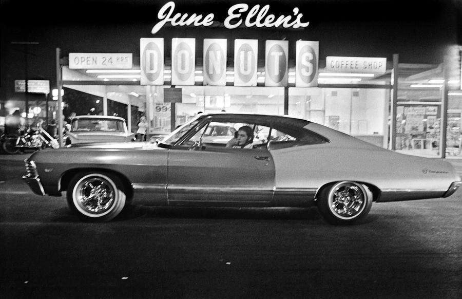 ff8ab66301 June Ellen s Donuts -- Van Nuys Boulevard 1970 s (Photo Credit  Richard  McCloskey)