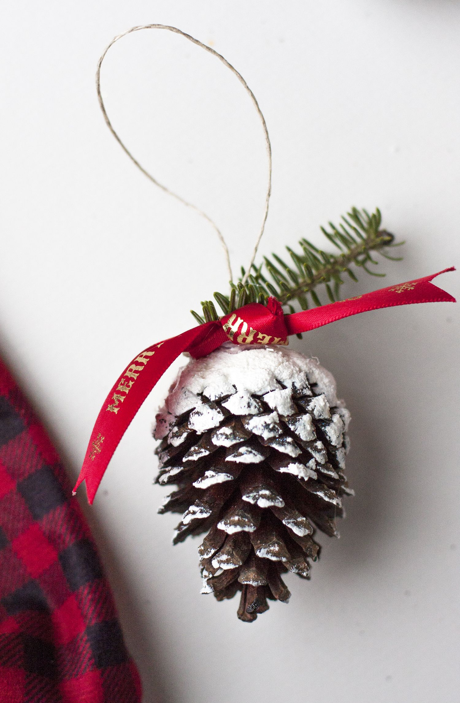 5 Easy DIY Christmas Ornaments In One Afternoon Cheap