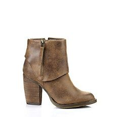 Shop now >>> http://ow.ly/Tt8sV   #buffalo #stiefelette #braun #cognac #herbst #style #fashion