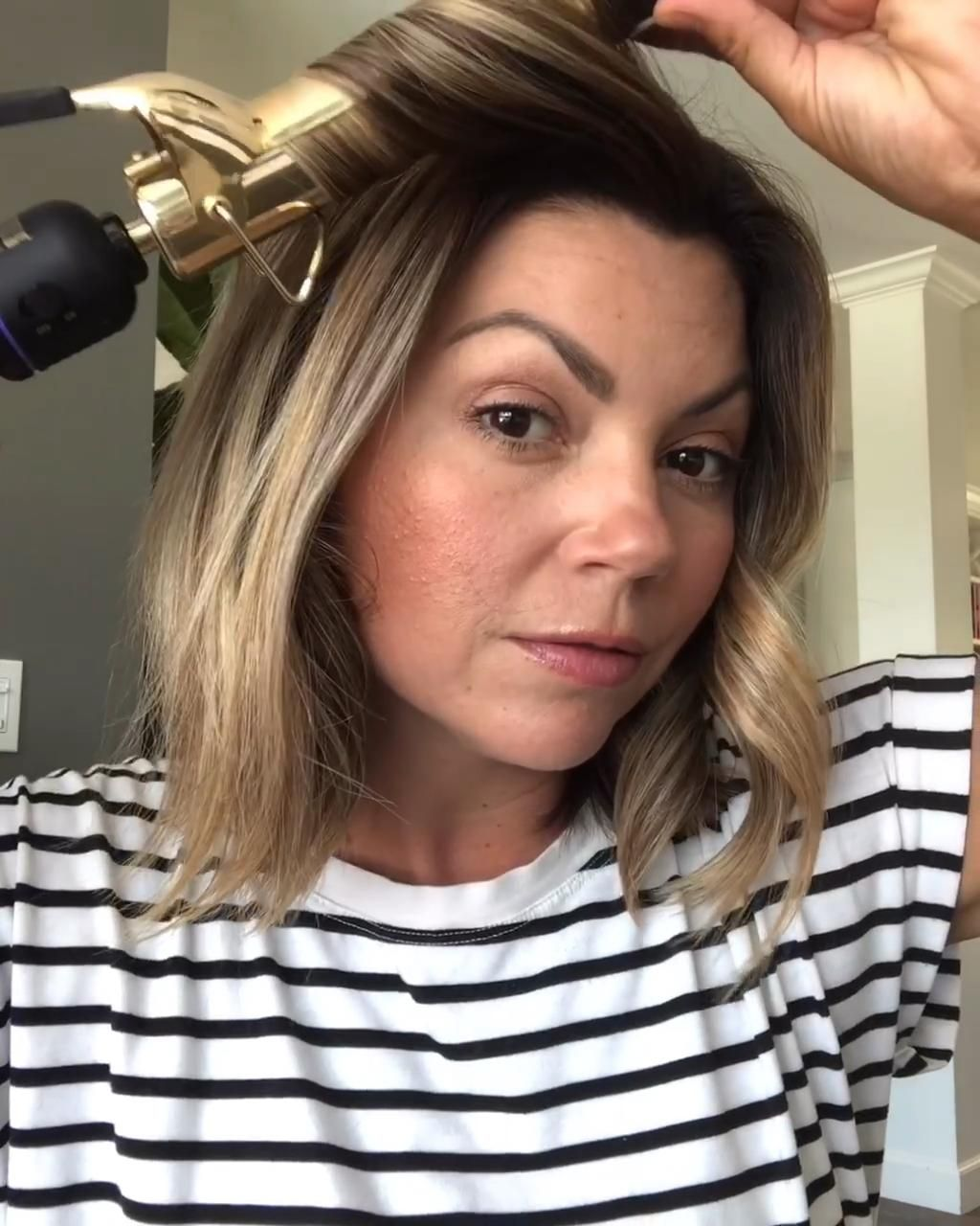 What Size Curling Iron Do You Need Video Short Hair Tutorial Hair Styles Hair Curling Tutorial