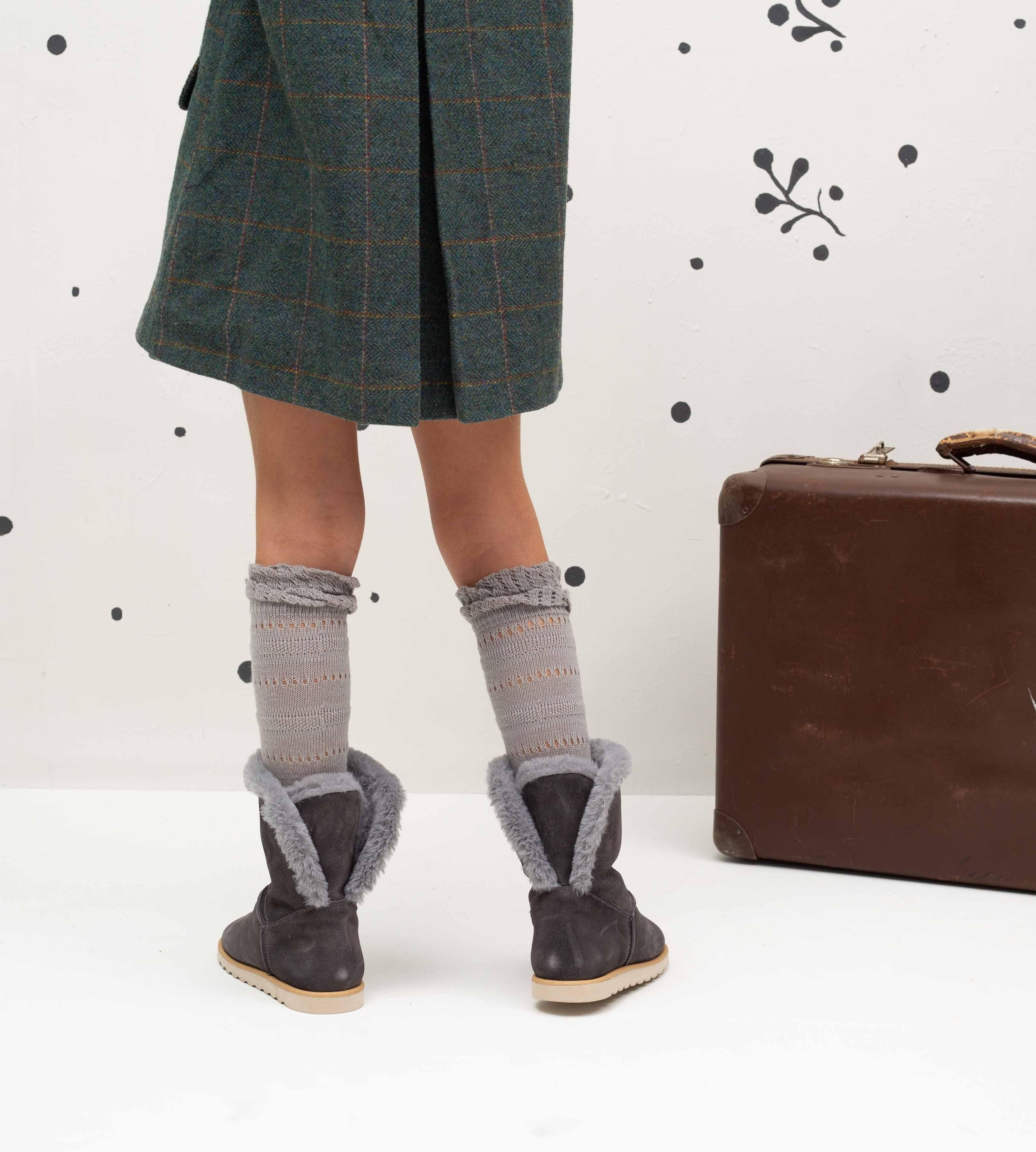 e52f1b7e8 Botas Australiana Serraje Gris - Ganzitos Descubre las botas y botines para  niñas de Ganzitos.