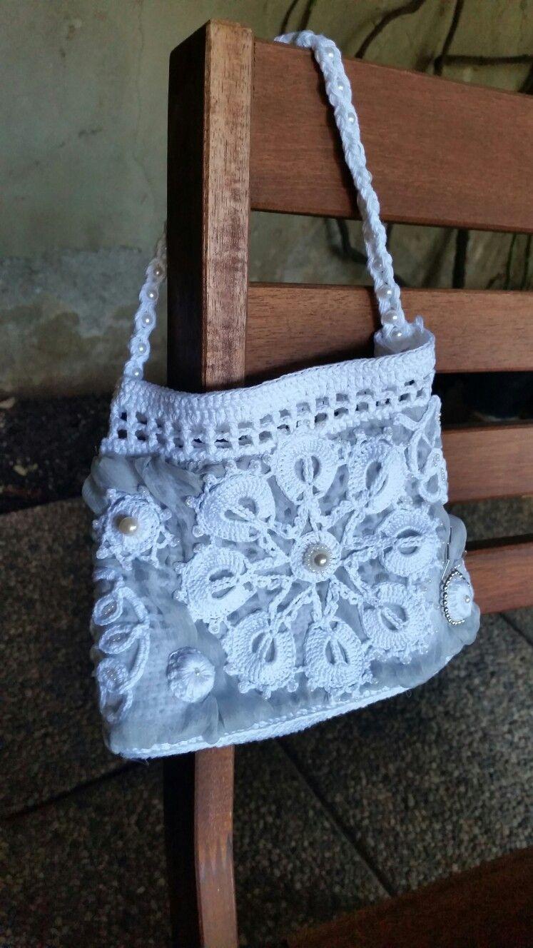 Wedding bag.  #crochet #uncinetto #artedeluncinetto #вязание #hobby #вязаниемоехобби #вязаниекрючкомрукоделие #очумелыеручки