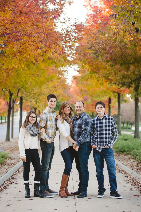 Fall Family Photo Ideas Family Photo Outfit Ideas Family