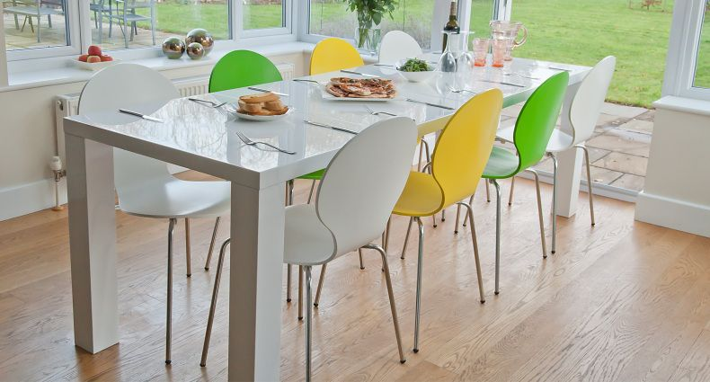 Fern White Gloss Extending Dining Set  Table seating High gloss