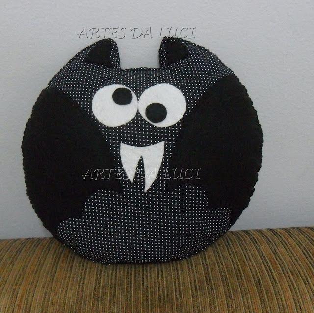 Artes da Luci: almofada morcego em feltro e tecido